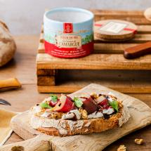 Autumn tartine with smoked duck breast, walnuts and goat cheese recipe